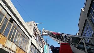 Kayseri'de iş yerinin çatısında çıkan yangın söndürüldü