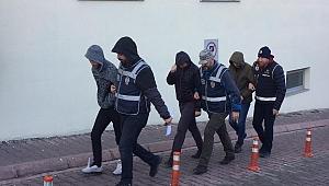 FETÖ operasyonuyla yakalanan 3 kişi tutuklandı