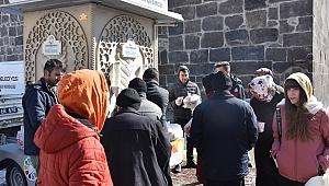 Kocasinan Belediyesi'nden vatandaşlara sıcak çorba ikramı