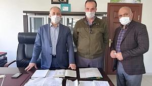Kayseri'de Kur'an kursu hocası 7 bakkalın veresiye defterini satın aldı