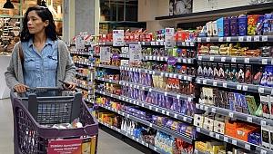 Zorunlu ihtiyaçlar için marketler Cuma 23.00'a kadar açık olacak