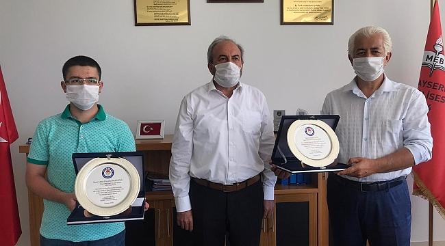 4 senede hazırlandığı sınavda Türkiye ikincisi oldu