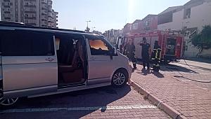 Kayseri'de alev alan minibüsü itfaiye erleri söndürdü