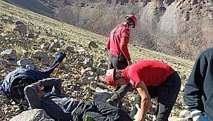 Erciyes'te rahatsızlanan dağcıyı JAK Timi kurtardı