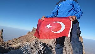 Erciyes'in zirvesinden İzmir'e selam