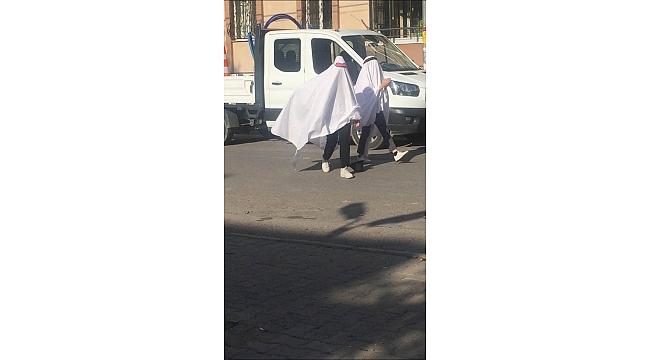 Acemi hayaletler sağa sola çarparak ilerledi