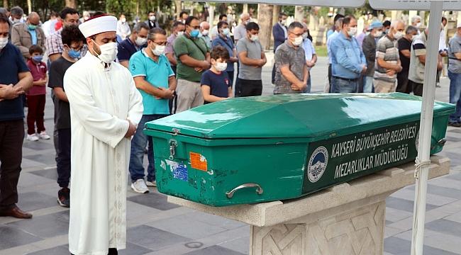 Kazada ölen sağlık çalışanı toprağa verildi