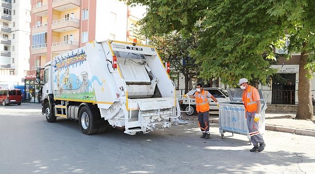 Talas'ta çöp konteynerlerinde kötü kokuya son