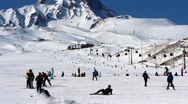 Kayakseverler sömestrde Erciyes'i tercih etti