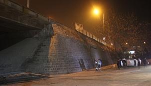 Otomobil köprüden uçtu: 3 yaralı