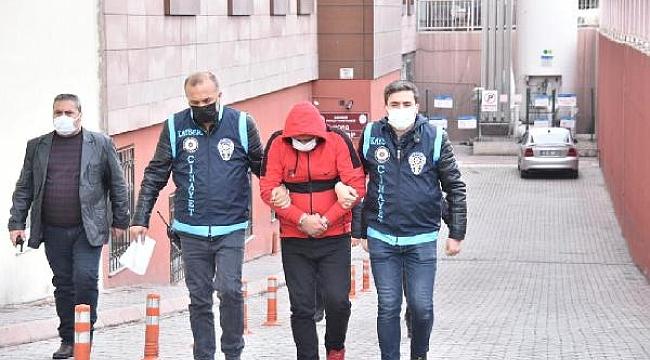 Kayseri'de eski eşini öldüren 'kırmızı ayakkabılı' şüpheli adliyeye sevk edildi