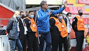 Hamza Hamzaoğlu ilk maçına çıktı