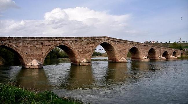 Şahruh Köprüsü'ne UNESCO destekli koruma