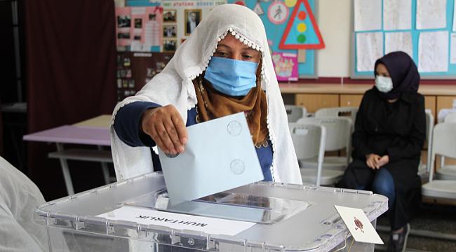 4 köyde muhtarlık seçimi yapıldı