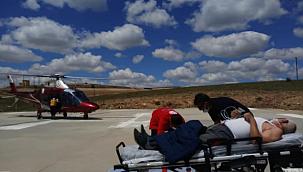 Şoka giren adam hava ambulansı ile hastaneye kaldırıldı