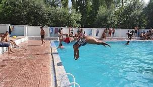 Vatandaşlar 400 yıllık 'Keşişin Havuzu'nda