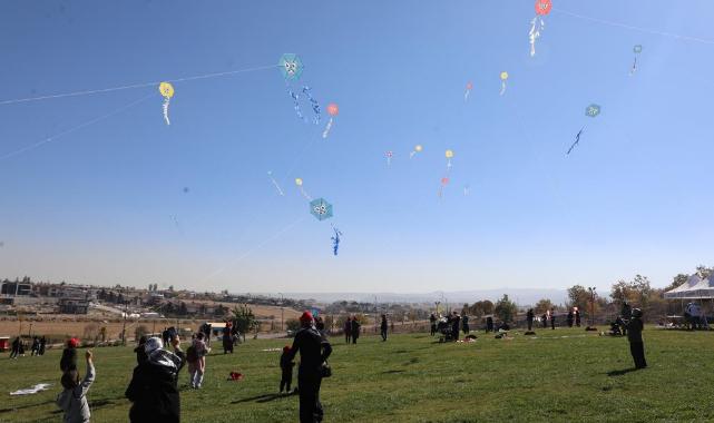 Talas'tan özel çocuklara 'uçurtma etkinliği'