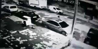 Aracın kundaklanma anı güvenlik kamerasında
